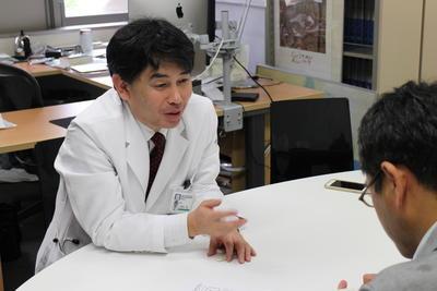 新潟日報にALS(筋萎縮性側索硬化症)の発症メカニズムに関する研究成果が掲載されました(28.7.27)
