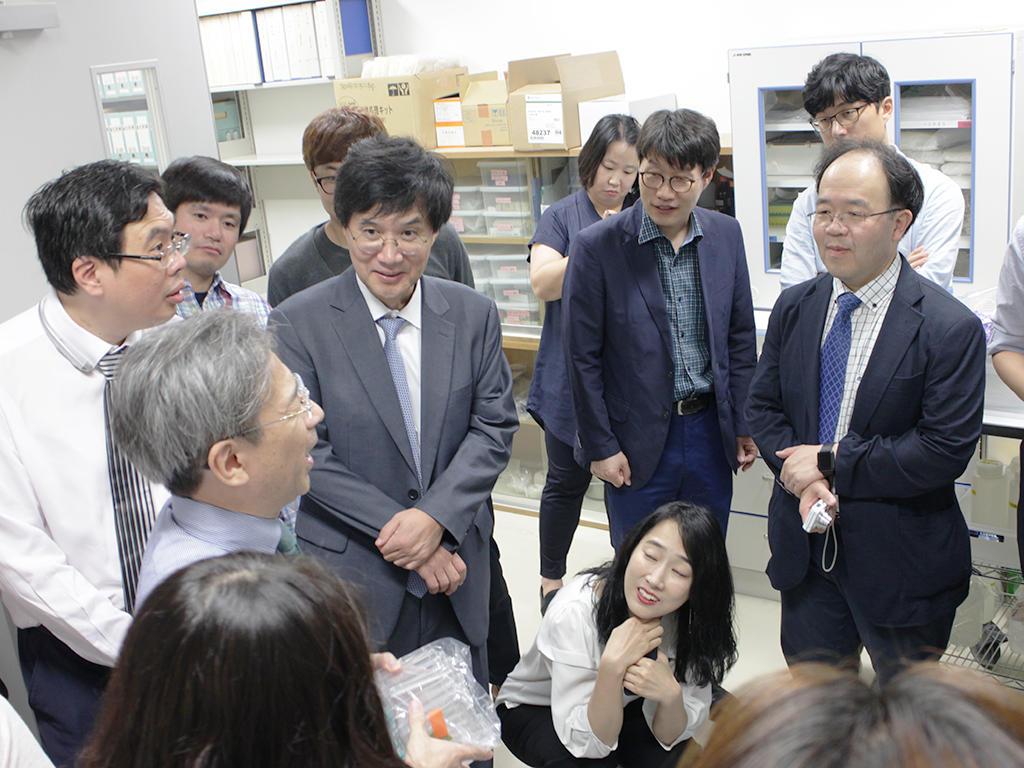 韓国ブレインバンクネットワーク一行が,脳研究所を見学されました